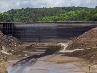 Anse-de-Guerlédan-le-barrage-45-m