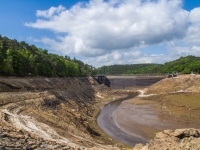 Guerlédan-vide-anse-au-barrage-3