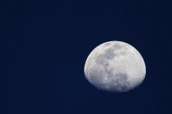 Christophe R. - Soulgé sur Ouette - 4 avril 20 - un soir, tous chez soi, tous confiné, on a tous contemplé cette belle lune.