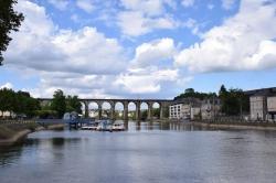 Rona-B.-Laval-La-halte-fluviale-et-le-viaduc