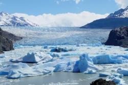 Serge-F.-Glacier-Lago-Gray-Patagonie-60x33