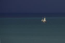 Navigation dans l'immensité de bleus.