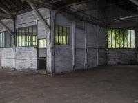14 Hangars